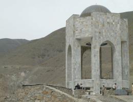 Für Massud wurde ein Monument gebaut.
