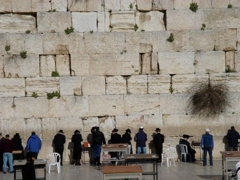 Die Klagemauer gehört zu den wichtigsten jüdischen Gedenkstätten