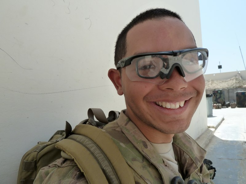 Einige Soldaten sind in der Armee, weil sie hoffen so bald legale Amerikaner zu werden.