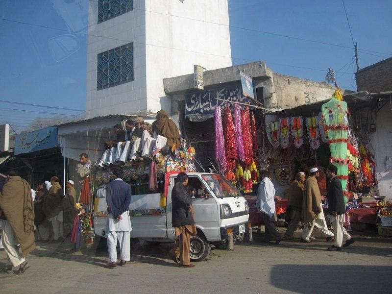 Das Marktleben in Mingora ist nach der Vertreibung der Taliban erneut aufgebluht.