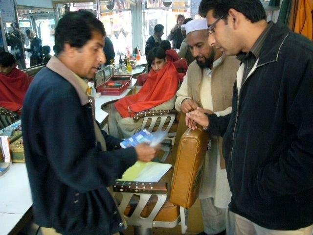 Auch viele Barbiere mussten ihre Laden unter den Taliban schliessen.